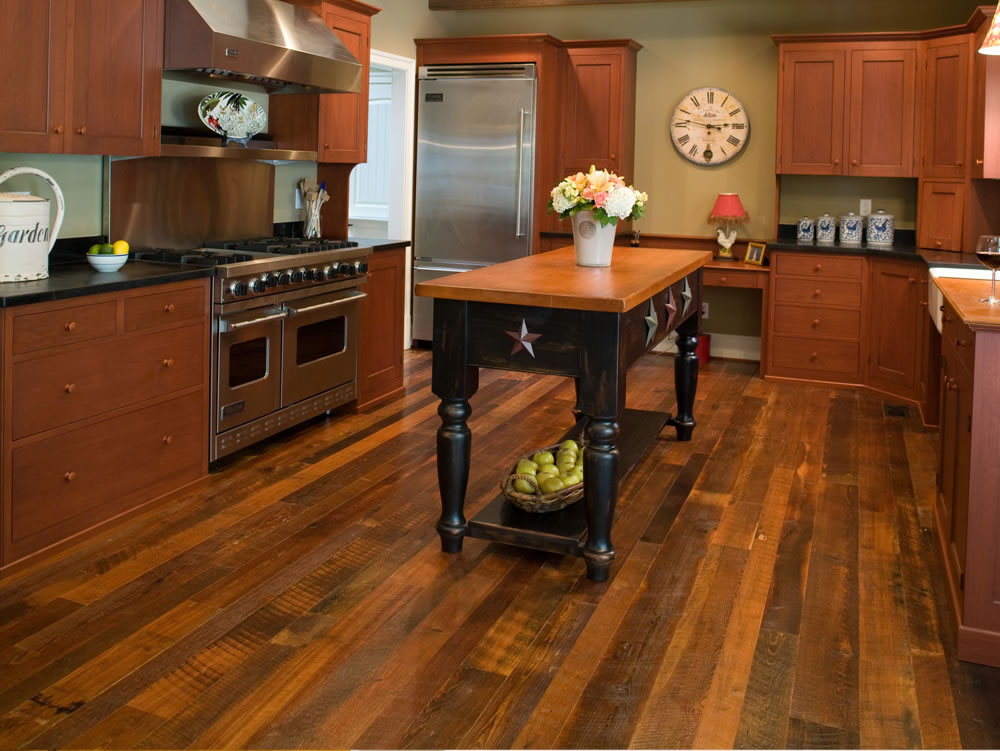 FloorUS Distressed Hardwood